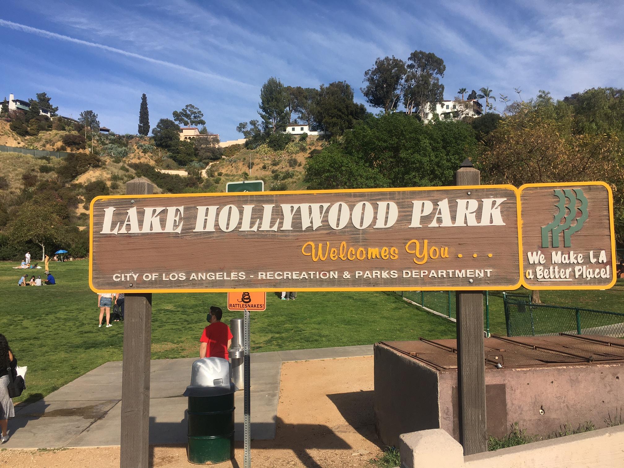 Lake Hollywood Park sign
