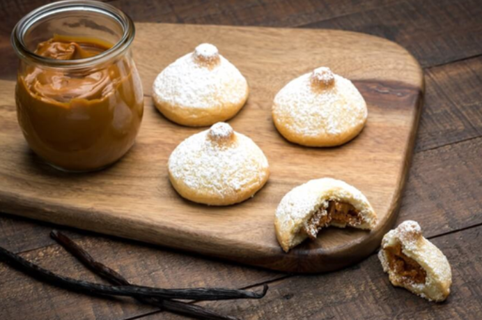 Dulce De Leche Besito Cookies at Porto's Bakery