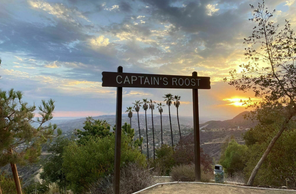 Hike to Captain Roost at Griffith Park
